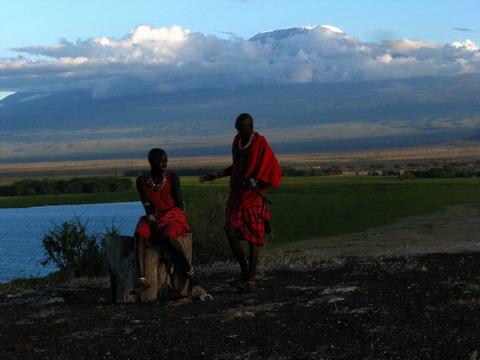 Massaii si Kilimanjaro